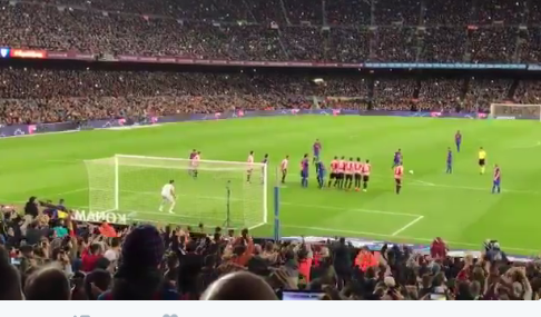 VIDEO: Messi vuelve a marcar de tiro libre
