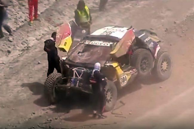 VIDEO: Brutal accidente de Carlos Sainz en el Dakar